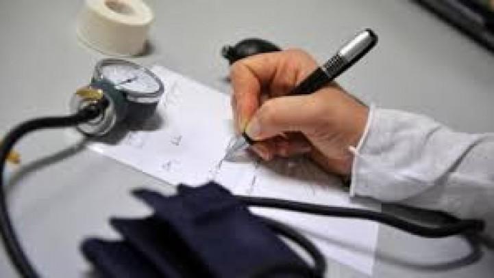 Contrasto tra il certificato del medico curante e gli accertamenti del medico di controllo.